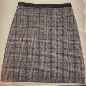 Ann Taylor Sz 2 mini skirt with leather waist trim